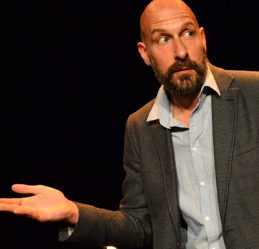 En spectacle à la compagnie Thierry marquet humour noir