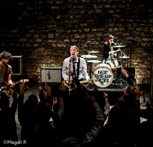 Guillaume Meurice en concert à Nantes avec The Disruptives