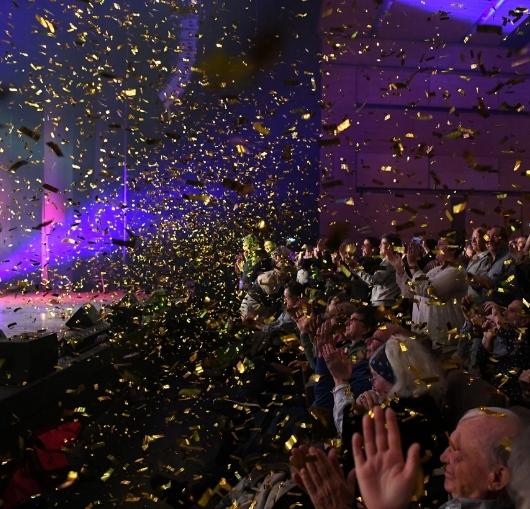 31decembre, Sylvestre, Fêter, Nouvelle année, Festivités, Célébrer, Saint Sylvestre, Minuit, Nouvel-an, Champagne, Passage à la nouvelle, Jour de l an, Bonne année, Le nouvel an, Foie-gras, Fêter la nouvelle, Fêter la nouvelle année, Fêtes de fin d année, Faire la fête, Réveillon du nouvel an, Festive, Réveillons, Réveillon de la saint sylvestre, Voeux, Coups de minuit, Célébrer la nouvelle année, Célébrer la nouvelle, Soirée du réveillon, Souhaiter, Fêter le réveillon, Premier de l an, Nuit de la saint sylvestre, Passer le réveillon, Fêtes de fin, Cotillons, Célébrations, Festif, Réveillonner, Passer une soirée, Animée, Week-end, Dernière minute, Réservations, Réveillon de fin d année, Nouvelle année, Nouvel-an, Fêter, Festivités, Sylvestre, Artifice, Minuit, Feu d artifice, Jour de l an, Saint Sylvestre, Voeux, Le nouvel an, Bonne année, Fêtes de fin d année, Fêter la nouvelle, Fêter la nouvelle année, Feux d artifice, Foie-gras, Réveillon du nouvel an, Réveillon de la saint sylvestre, Passage à la nouvelle, Souhaiter, Célébrer la nouvelle année, Faire la fête, Premier de l an, Nuit de la saint sylvestre, Passer le réveillon, Fêter le jour, Coups de minuit, Festif, Dansante, Célébrer la nouvelle, Festive, Célébrations, Réveillon du jour, Réveillons, Fêtes de fin, Week-end, Fêter le réveillon, Toute la nuit, Pétards, Nuit du réveillon, Comité des fêtes, Danser, Soirée dansante, Fête de l année, Cotillons, Passer une nouvelle, Bonnes résolutions, Cabaret, Célébrer le jour, Coupe de champagne, Dancefloor, Fête pour célébrer, Premier jour, Marchés de Noël, Festivités prévues, Réveillonner, Féerique, Jour férié, Animée, Jour de l année, Soirée du réveillon, Apéritif, Vont faire la fête, Réveillon de fin d année, Pendant les festivités, Fêter la fin, St Sylvestre, Venir faire la fête, Fête nationale, Calendrier chinois, Fête du têt, Premier janvier, Fête du monde, Cartes de voeux, Férié, Célébrer la fin, Traditions festives, Paillettes, Passage à l an, Fiesta, Passer de