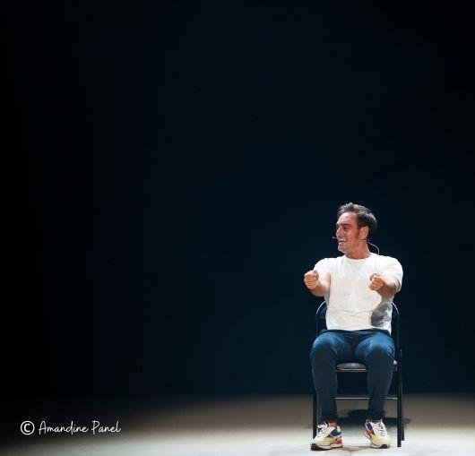 Kevin Levy, Rire, Nantes, Humour, Spectacle, Compagnie, Théâtre, Rire, One man show, One woman show, Seul en scène, Comédien, Acteur